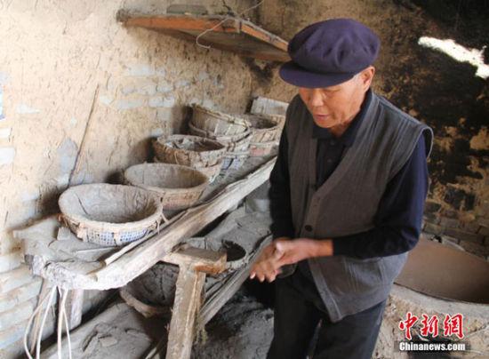 镜头记录甘肃濒临失传的土法造盐技艺 华夏文明传承创新区 绚丽甘肃图集