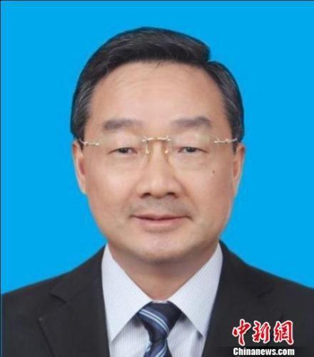 5月5日,甘肃省第十二届人民代表大会第七次会议选举唐仁健为甘肃省省长。