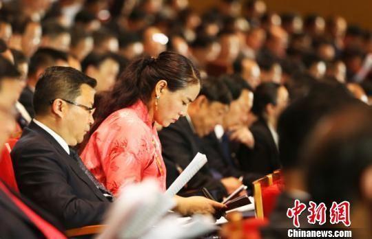 中国共产党甘肃省第十三次代表大会22日至26日在兰州举行。 钟欣 摄