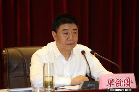9月12日,甘肃省工商局党组书记、局长王世华通报该省商标品牌战略实施情况。 史静静 摄
