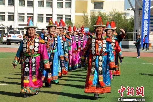 资料图。肃北举行第六届趣味文体活动赛事,该赛事以体育赛事和民族文化活动为主题。 佟格勒格 摄