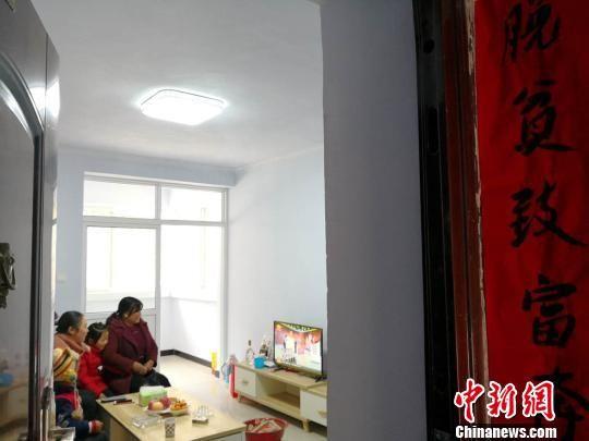 图为甘肃宕昌县易地扶贫城区集中搬迁户的新房。 殷春永 摄