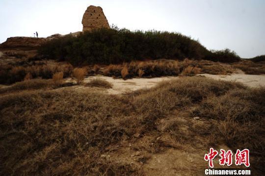 资料图。图为甘肃酒泉市瓜州县境内的锁阳城遗址。 杨艳敏 摄