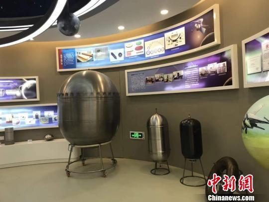 图为中国航天科技集团公司第五研究院第五一�研究所航天科技展厅展示航天技术和核心产品。 高莹 摄