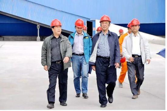 2015年9月郭强到山丹水泥(集团)公司开展税收调研。