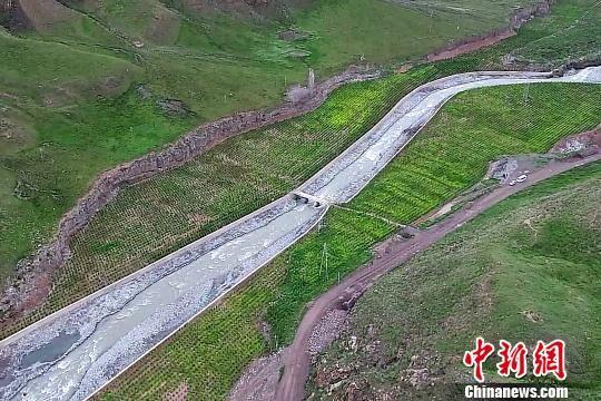图为肃南县白泉门矿区大湾治理区的现状。 周飞 摄