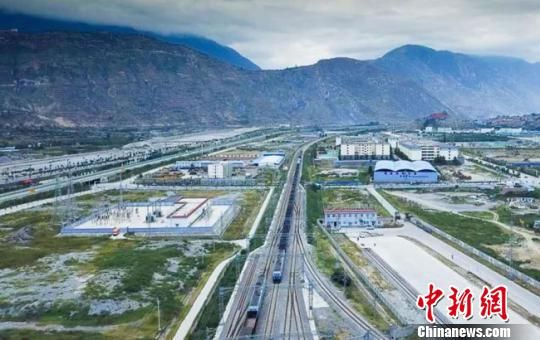 资料图:兰渝铁路。宋佳龙 摄