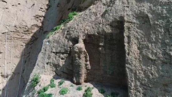 甘肃武威天梯山石窟寺佛造像。