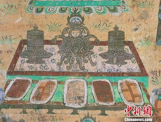 图为敦煌莫高窟第445窟北壁上所绘的曲腿香炉。敦煌研究院供图