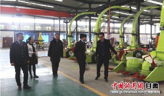 古浪县税务局第二税务分局人员了解达华节水科技股份有限公司产品销售情况。
