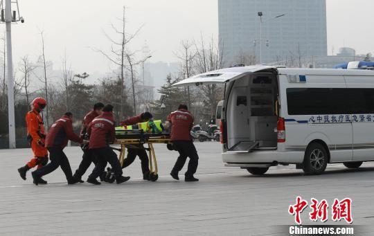 图为直升机应急救援演练。 李杨 摄