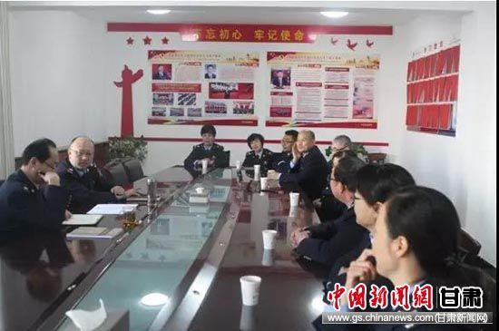 三定后樊晓诚与联系点全体人员进行谈心谈话。