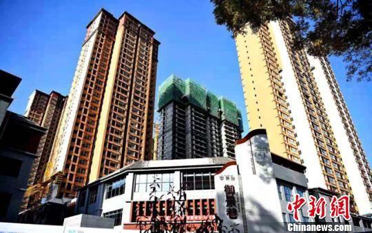 """图为兰州市榆中县正在建设的""""棚改项目""""。(资料图) 赵江梅 摄"""