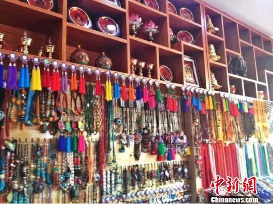 图为甘肃张掖市肃南裕固族自治县开发出的旅游产品。(资料图) 钟欣 摄