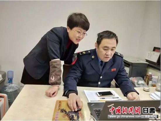 尚郁春上门为企业会计辅导个税扣缴。
