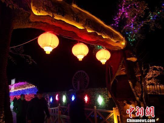 图为在该驿站举行的2019中国・古浪首届丝路新春灯会。 魏建军 摄