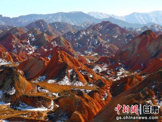 张掖丹霞地貌面积达536平方公里以上,是中国干旱地区最典型和面积最大的丹霞地貌景观,是中国丹霞地貌发育最大最好、地貌造型最丰富的地区之一。