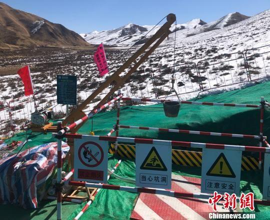 甘1标段由甘肃送变电工程有限公司负责承建,该段沿线地形以高山大岭为主。 席娟娟 摄