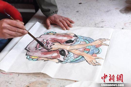 图为甘肃民间艺人马正德所画的《水浒传》中杜迁人物图稿。 杨艳敏 摄
