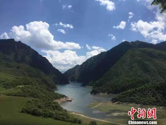 图为甘肃甘南藏族自治州临潭县境内风光。 钟欣 摄