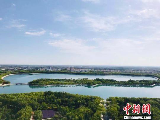 图为东湖生态旅游景区一角。 艾庆龙 摄