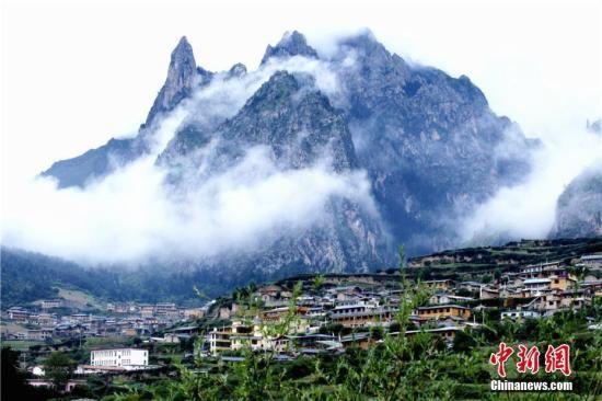资料图:甘肃甘南藏区风光。张小军 摄