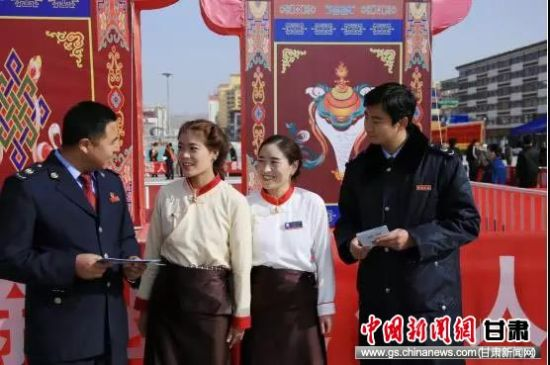 藏汉双语服务突出少数民族纳税人便利感。