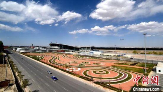 图为航拍甘肃境内机场。(资料图)甘肃省民航机场集团提供