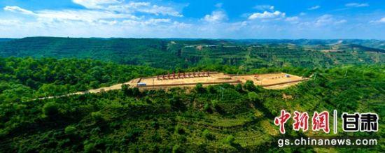 近年来,长庆采油二厂坚持绿色开发建设环保油田。张鹏飞 摄
