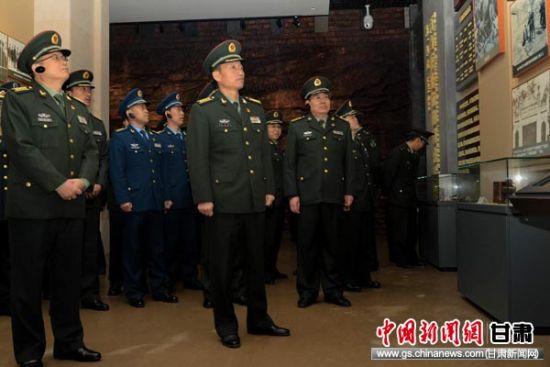 """陇南军分区走进""""两当兵变""""纪念"""