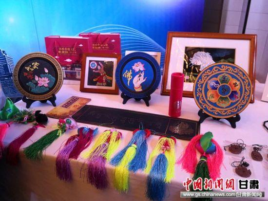 图为西宁旅游产品展示。