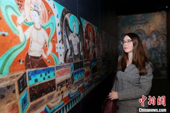 """当地时间12月30日,""""中国礼物・千年一梦――敦煌文化主题艺术展""""在位于莫斯科的俄罗斯国家历史博物馆开幕。 王修君 摄"""