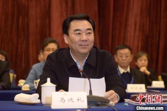 图为甘肃省委常委、统战部部长马廷礼讲话。 韦德占 摄