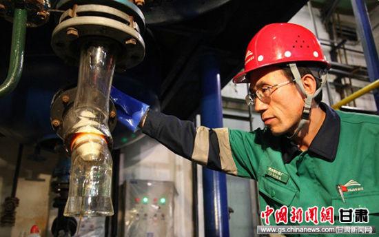 工业化应用,潘从明根据实验情况,开场现场应用。