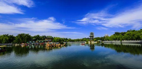 图为金川公园。