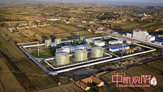 扎根陇原的长庆油田采油十一厂站貌鸟瞰图。