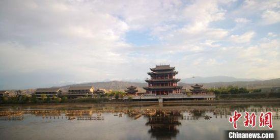 嘉峪关南湖文化生态园一景。(资料图) 魏建军 摄