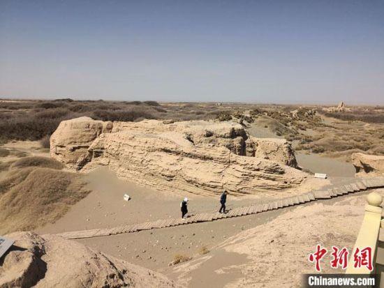 图为2019年4月,位于瓜州县境内的世界文化遗产锁阳城遗址。(资料图) 冯志军 摄