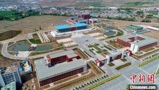 图为俯瞰甘肃山丹培黎职业学院。(资料图) 裴晓彬 摄