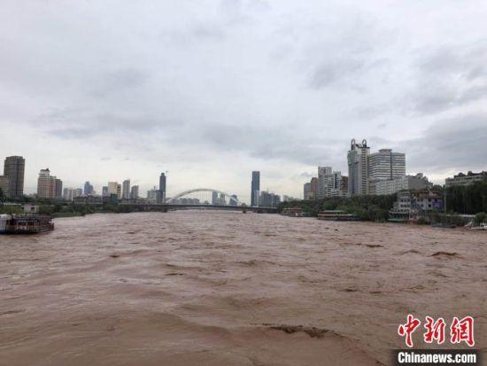 图为黄河进入汛期。(资料图) 南如卓玛 摄