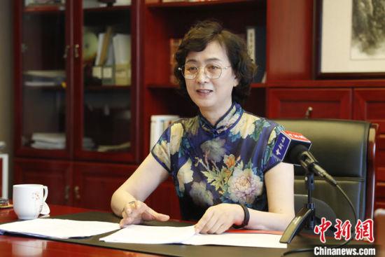 图为7月30日,吴国华在北京接受中新社记者专访。 中新社记者 韩海丹 摄