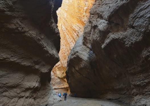 阿克苏的峡谷资源是天山最美最大的丹霞地质奇景。刘新 摄