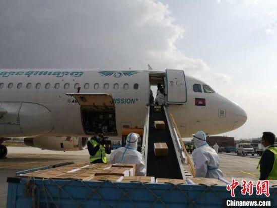 图为货物装机。(资料图)甘肃(兰州)国际陆港供图