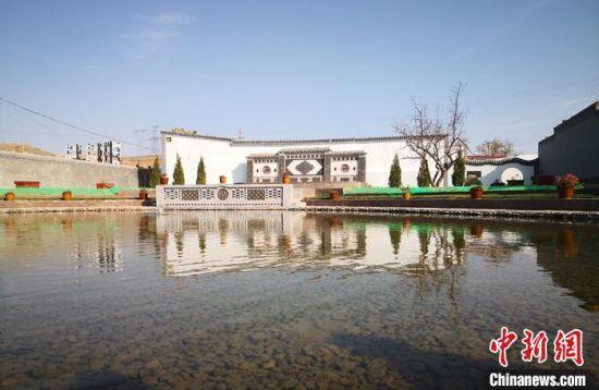 图为甘肃省白银市平川区宝积镇响泉村水天一色,景色宜人。(资料图) 刘玉桃 摄