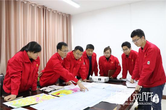 技术部门对全厂所有单井进行排查,油井功图变化进行细致分析。