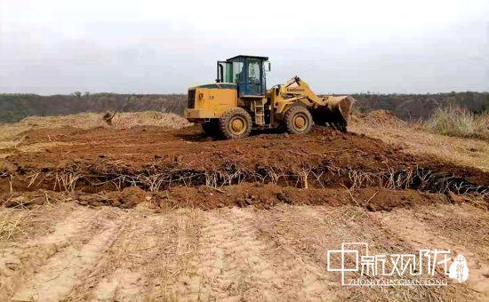 图为5500头生猪养殖基地施工现场。