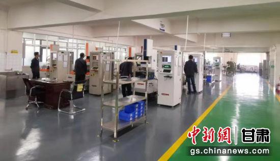 图为西脉医疗器械生产车间。受访者供图