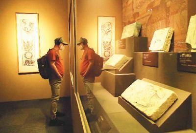 """""""图画众生――河西画像砖上的古人生活""""展览现场。杜建坡摄"""