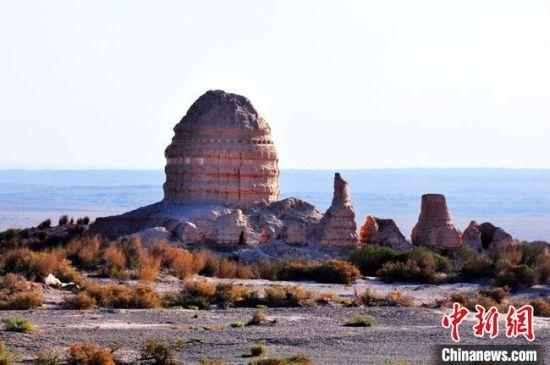 图为世界文化遗产甘肃锁阳城塔尔寺遗址。 张硕 摄