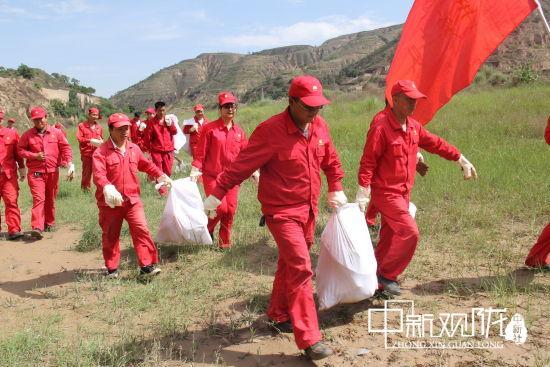 """以""""六•五""""环境日为契机,引导全员积极参与环境保护中来,营造人人关注环境保护的良好氛围。"""